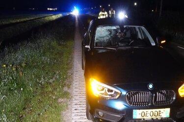 Twee voetgangers aangereden op donkere weg in Breezand, één zwaargewonde