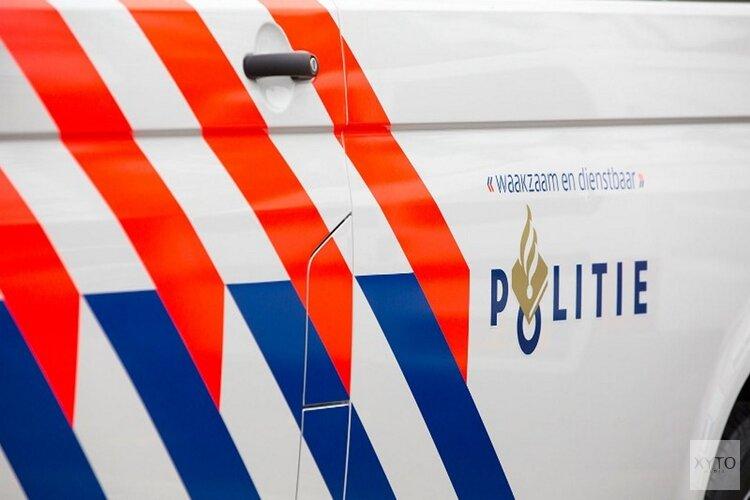 Twee auto's total loss na flinke botsing in Breezand