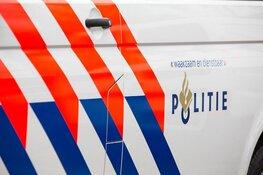 Auto belandt in sloot: bestuurder op eigen houtje naar ziekenhuis