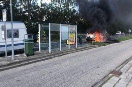 Auto vliegt in brand op N99