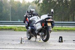 Motoragent op A7 aangereden door tractor onderweg naar boerenprotest