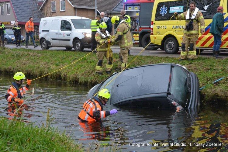 Auto belandt in Molenvaart