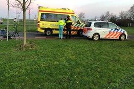 Fietsster naar ziekenhuis na aanrijding