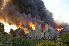 Uitslaande brand bij bedrijf in 't Veld